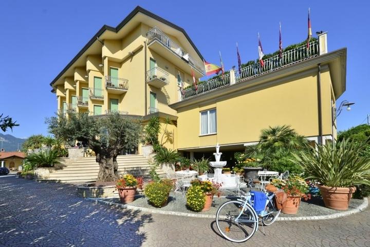 Capodanno Hotel Tiziana Marina di Massa Foto